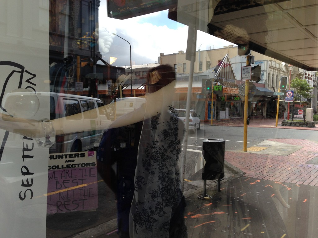 Contact-juggling mannequin, Wellington, NZ